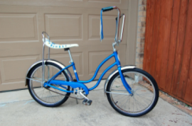 Vintage Schwinn banana seat bike