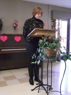 Giving the eulogy Mom's Memorial Service, February 2011.