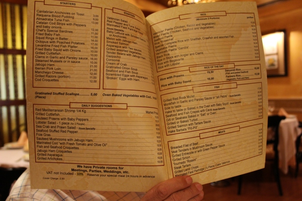 Many restaurants had bi-lingual menus, like Casa de Valencia in Madrid.