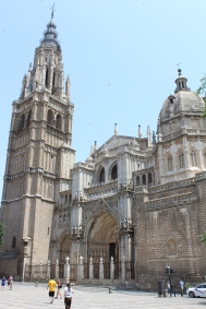 Gothic front facade of the Cathedral of St. Mary of Toledo