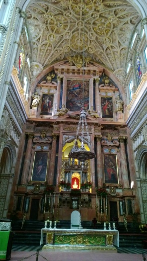 Catholic altar at the Mezquita.
