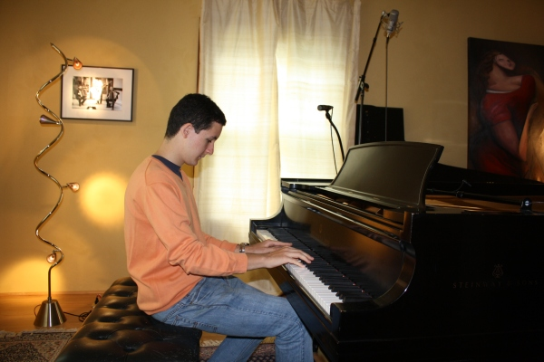 Pedro practicing at The Piano Studio in Seattle.